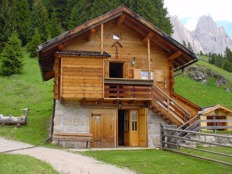Arredamento classico o moderno for Arredamento baita montagna
