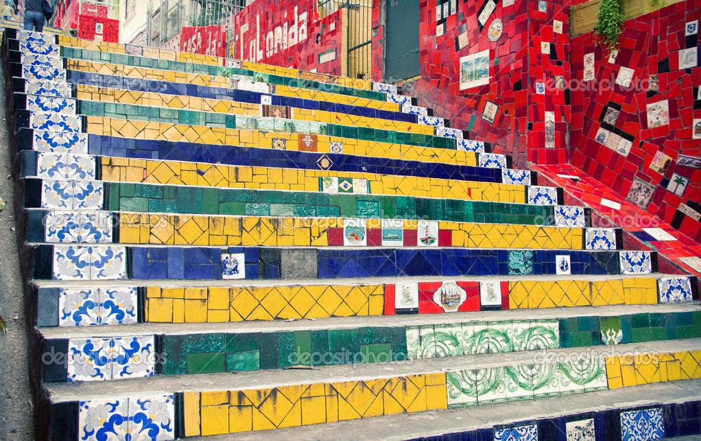 depositphotos_23216746-Staircase-Selaron