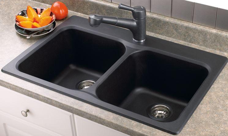 Il lavello in cucina - Lineatre Arredamenti Alberobello