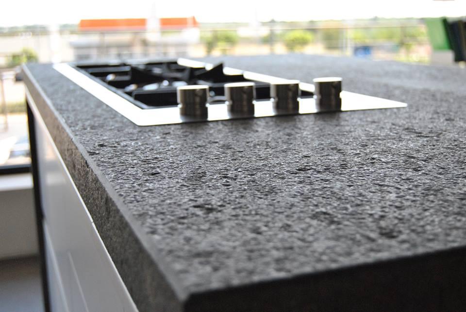 Quale piano di lavoro in cucina? Top in marmo o granito - lineatre ...