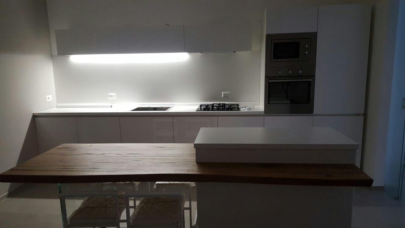 Cucina Con Finestra Orizzontale venti modi di dire cm 360 in cucina - lineatre - kucita